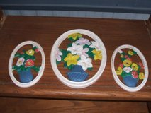 FLOWER HANGINGS (POTTERY) in Camp Lejeune, North Carolina