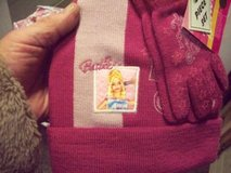2pc Barbie PINK 2 toned Knit Hat & Gloves Set NWT in Westmont, Illinois