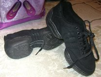 Hip Hop shoes-Size 1 in Houston, Texas